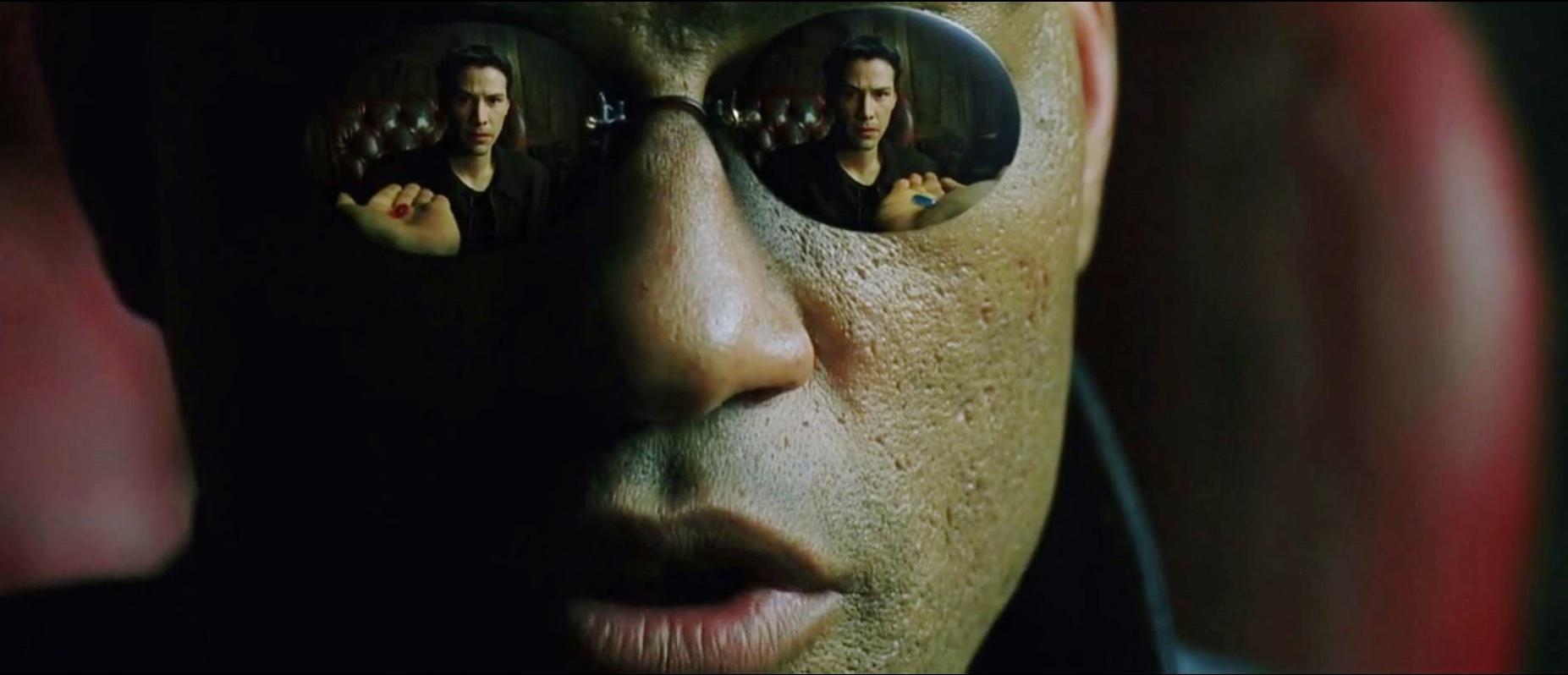 Neo får valget mellom den røde og den blå pillen.