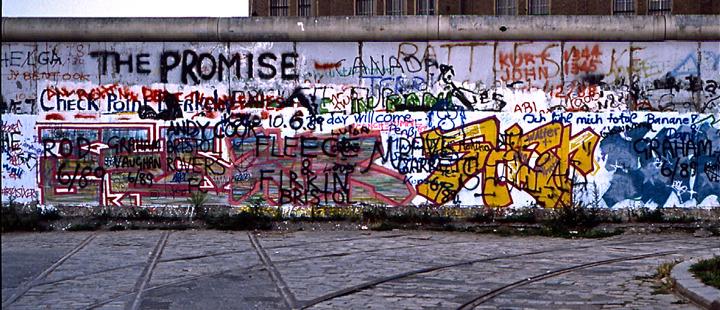Die-Mauer-Montages