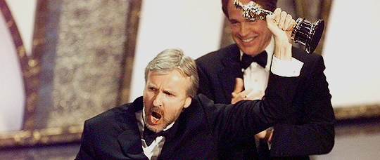 flashback-james-cameron-far-oscar-for-titanic