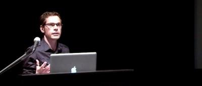 Colin Doncaster holder foredrag under Digital Storytelling.