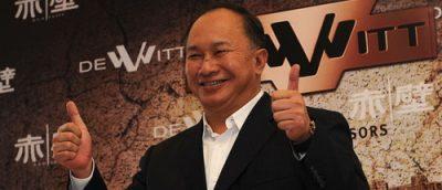 John Woo tilbake på banen