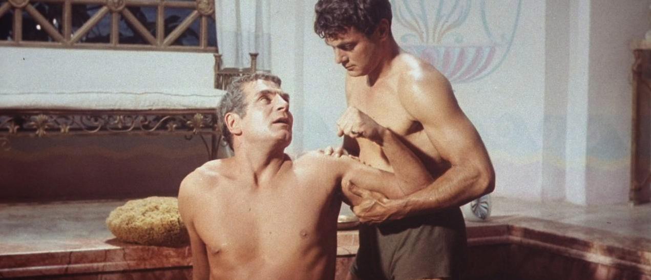 Sir Laurence Olivier som den romerske slaven Marcus Licinius Crassus og Tony Curtis som slaven Antonius i «Spartaus»