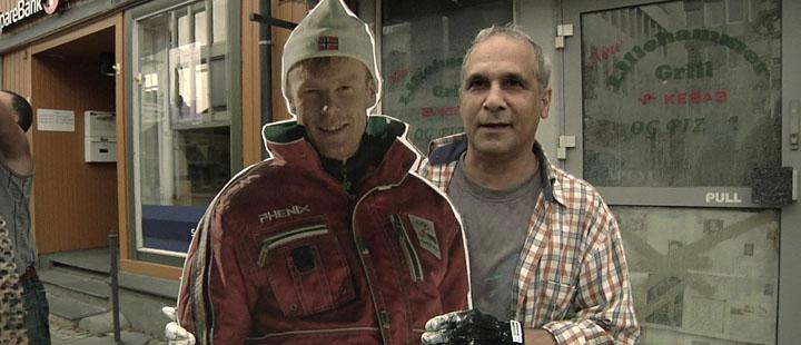 Hovedpersonen Dariush pensjonerer pappfiguren Dæhlie i «1994».