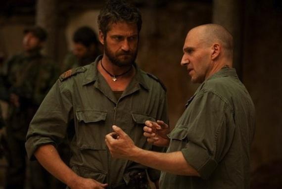 Ralph Fiennes instruerer Gerard Butler