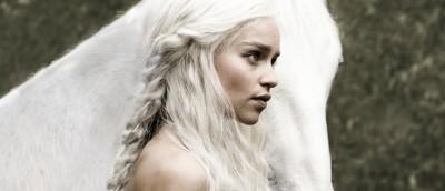 Emilia Clarke som Daenerys Targaryen