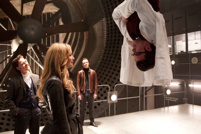 Jennifer Lawrence som Mystique og Nicholas Hoult som Beast