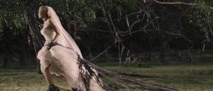 melancholia-et-raevmytologisk-roteloft