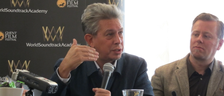 Komponist Elliot Goldenthal (i midten) under en pressekonferanse på World Soundtrack Awards i Ghent.