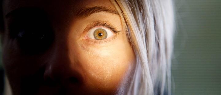 julias-eyes