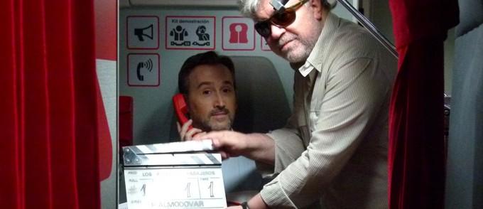 Ferske bilder fra Almodóvars nye film – en høytsvevende komedie!