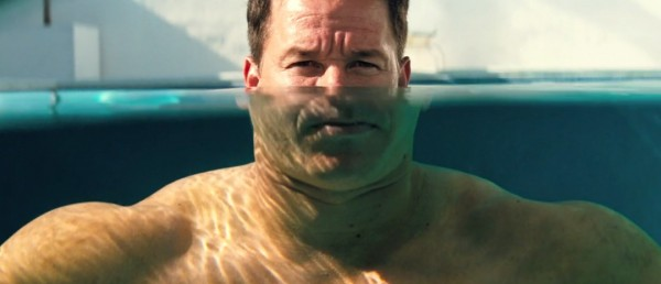 Michael Bay i god, gammel form flekser auteurmuskelen i Pain & Gain-trailer