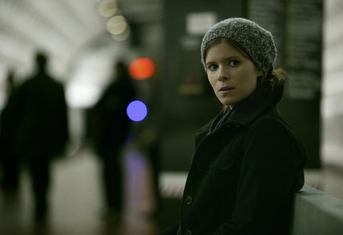 Kate Mara spiller en karrierebevisst journalistspire som inngår en allianse med Francis.