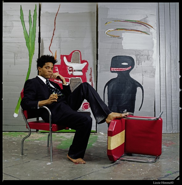 Den virkelige Jean-Michel Basquiat i sitt atelier (Lizzie Himmel, 1985)