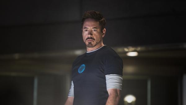 Med angstproblemer og jerndrakten på verksted har Tony Stark liten grunn til å smile.