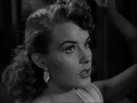 "Jean Peters i ""Pickup on South Street"" (Fuller, 1953)"
