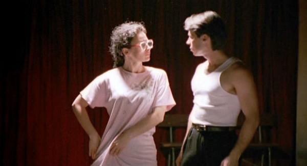 «Strictly Ballroom» er en klassisk romantisk historie om kjekkasen (Scott) og den stygge andungen (Fran).