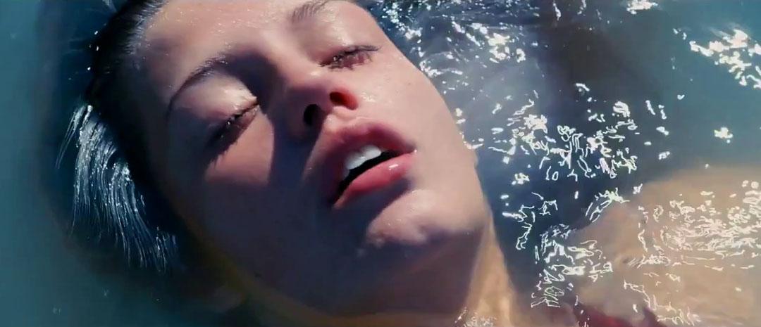Fantastisk første trailer til Gullpalme-vinner Blå er den varmeste fargen