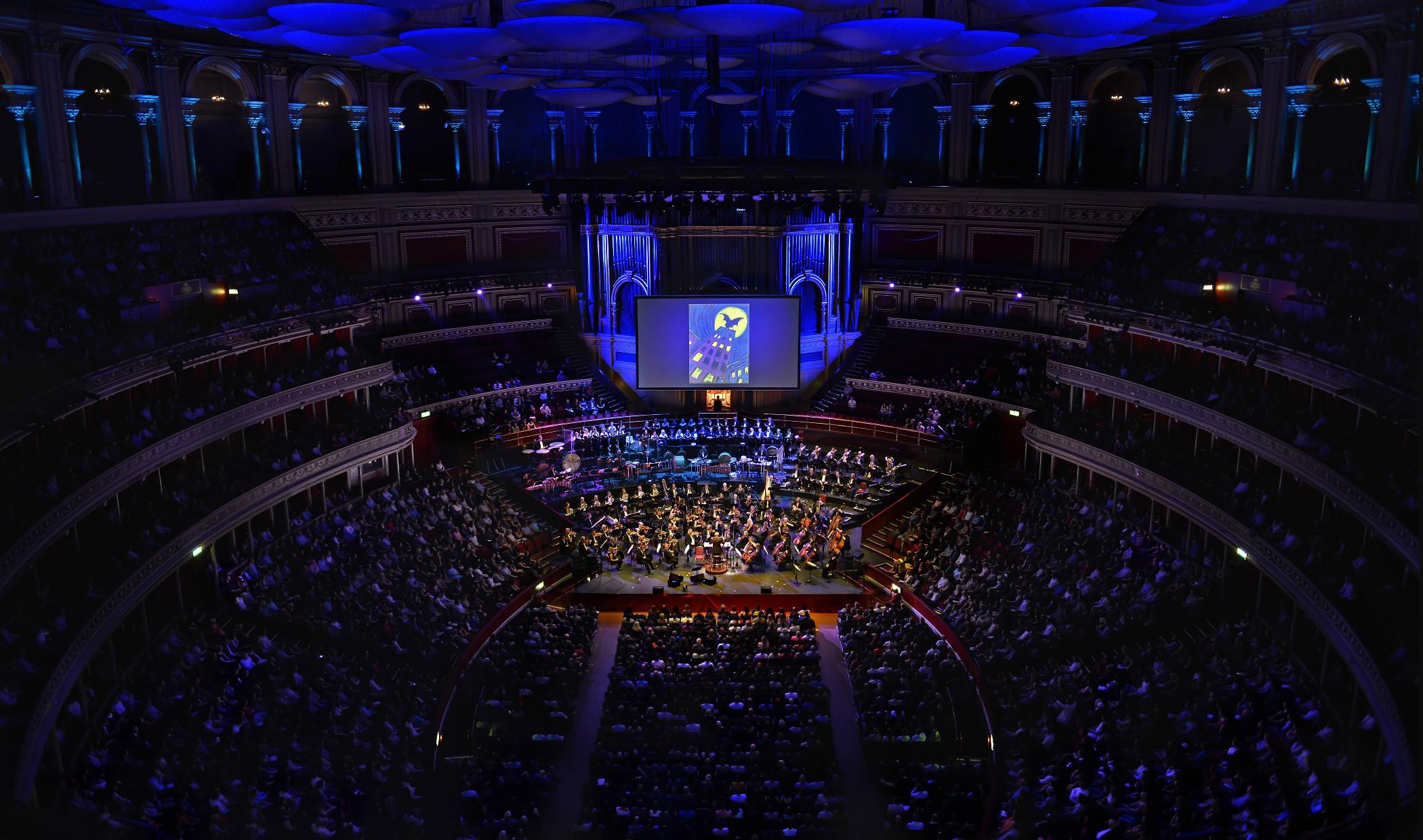 Royal Albert Hall. Danny Elfmans musikk til Tim Burtons filmer.