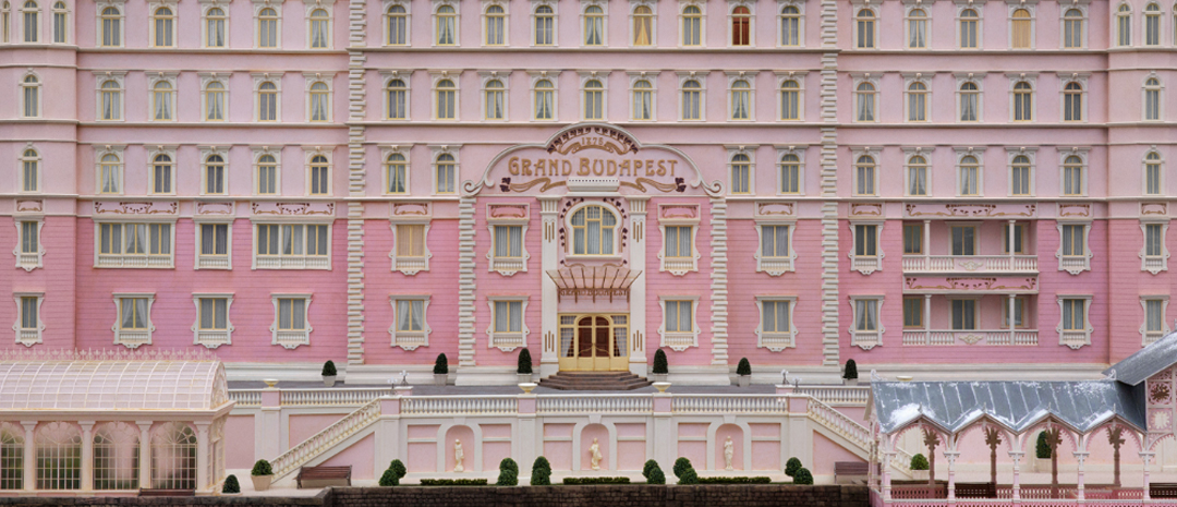 Se den første smakebiten fra Wes Andersons The Grand Budapest Hotel
