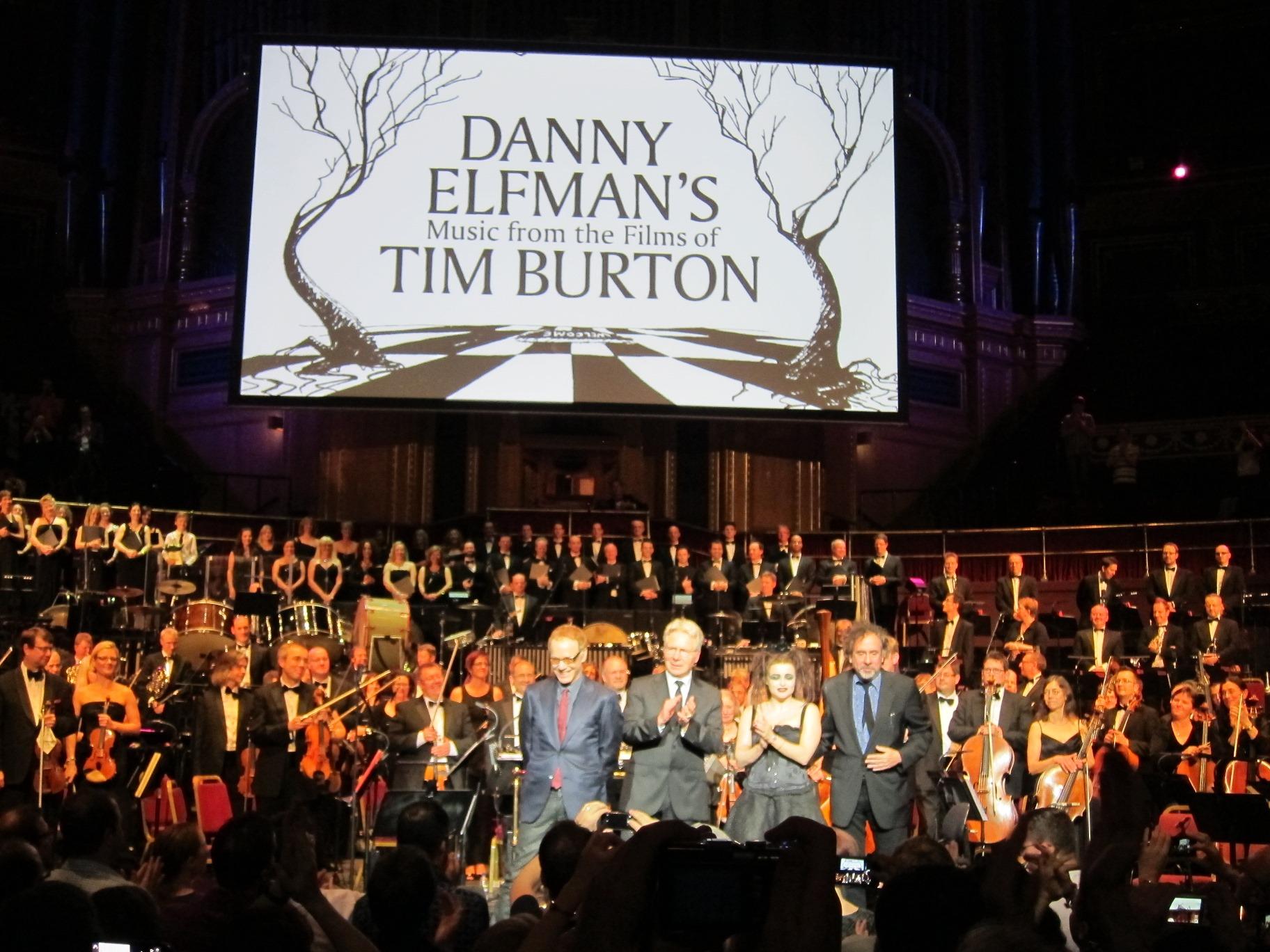 Danny Elfman, John Mauceri, Helena Bonham-Carter og Tim Burton takker publikum. Foto: Thor Joachim Haga