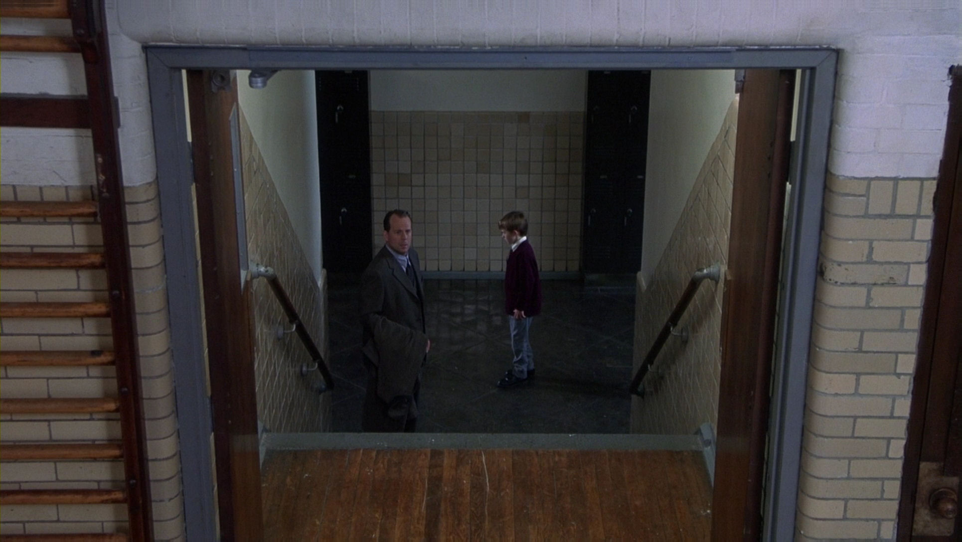 The Sixth Sense Hanging Ghosts Montages: Internationa...