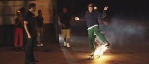 harmony-korine-og-david-blaine-lager-reklamefilmer-for-skateboard-merket-supreme