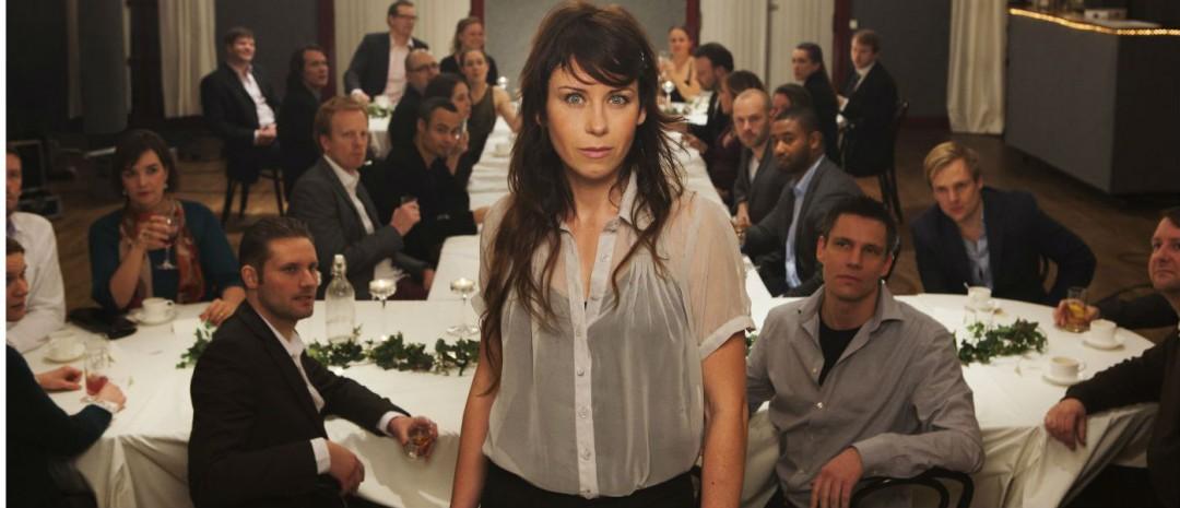 Kunstneren Anna Odell lager en scene i sin inntrengende spillefilmdebut Gjenforeningen