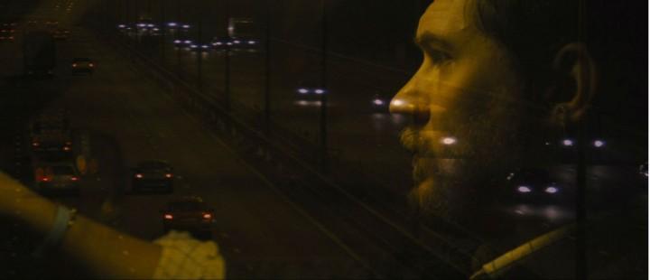 Tom Hardy imponerer med dreven enmannsforestilling i kjøreturen Locke