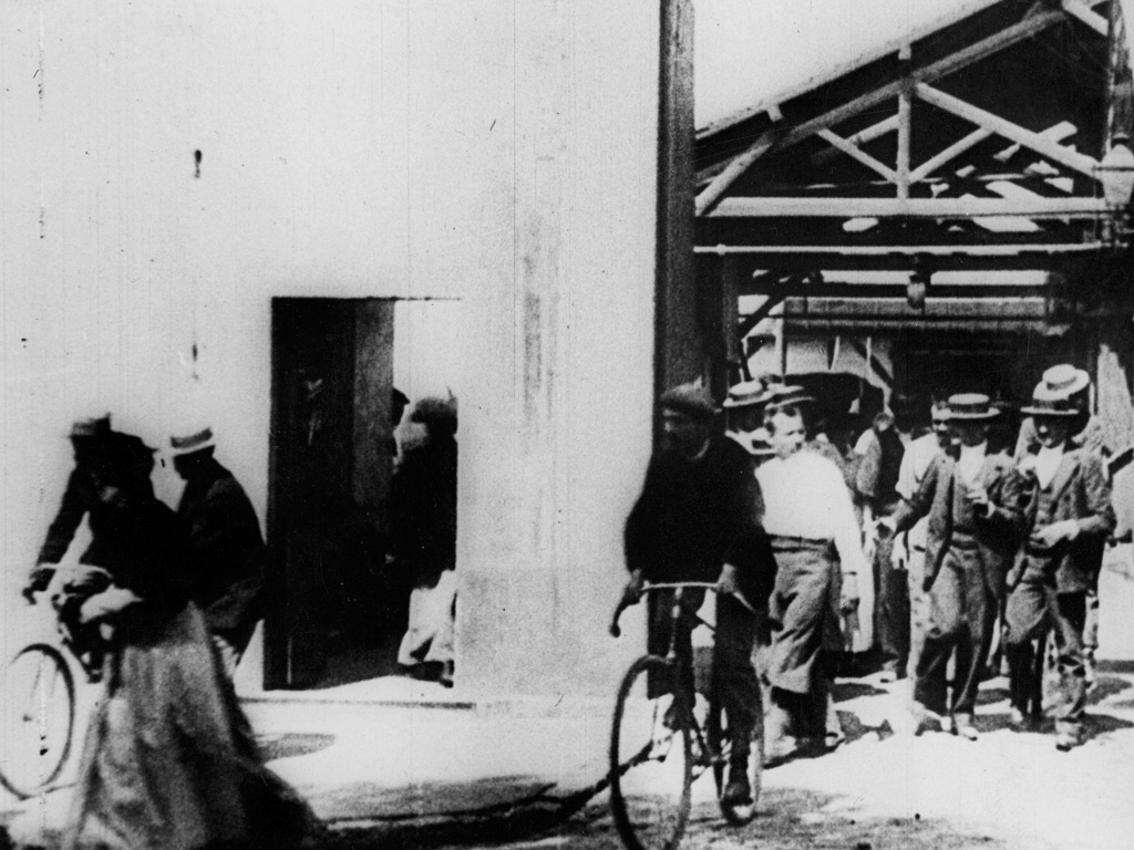 Workers leaving the Lumière Factory.