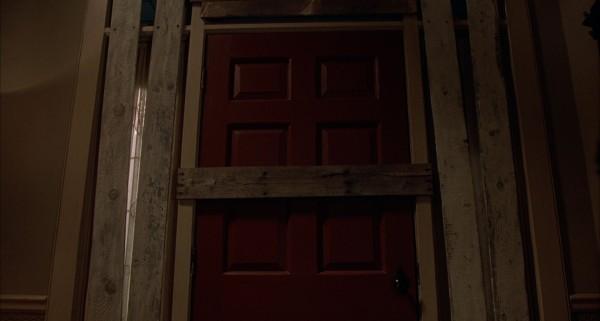 door looming