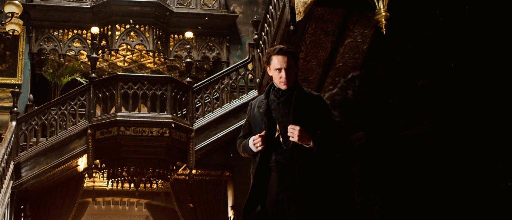 Fersk sniktitt på Guillermo del Toros gotiske horror Crimson Peak