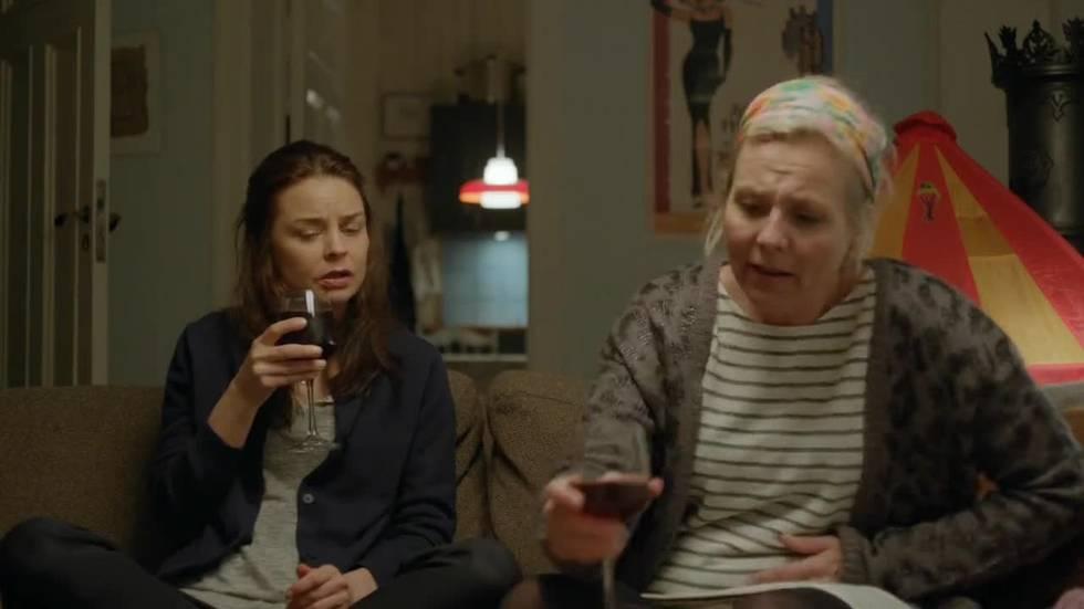 Marianne (Agnes Kittelsen) og Kristin (Linn Skåber)