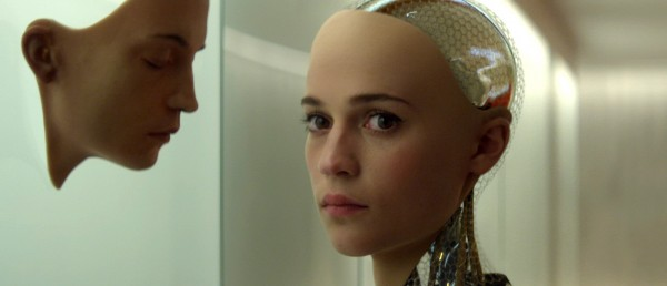 hyperelegant-om-kunstige-intelligenser-i-alex-garlands-science-fiction-perle-ex-machina
