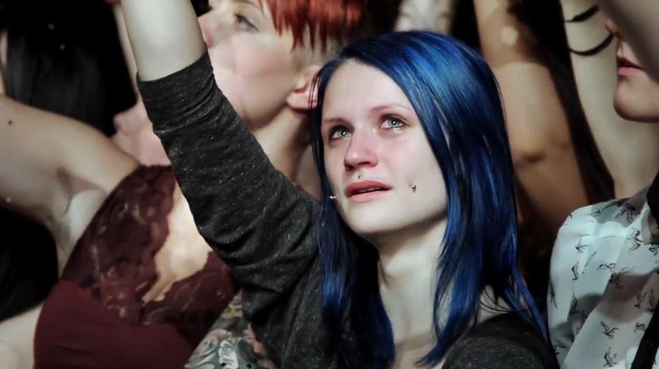 En tårevåt avskjed på Kaizers Orchestras siste konsert.