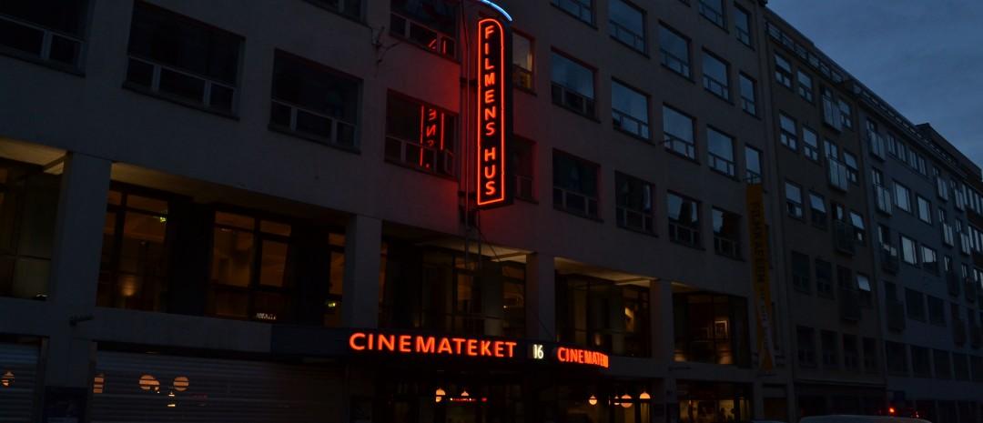 Det mørkner utenfor Cinemateket i Oslo. (Foto: Truls Foss)