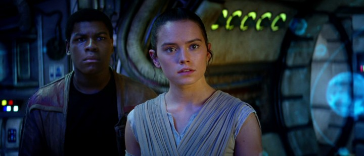 Star Wars: The Force Awakens leverer forrykende underholdning og skaper ny entusiasme