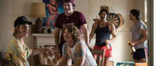 everybody-wants-some-er-en-varm-og-romslig-collegejakke-i-80-tallsstil