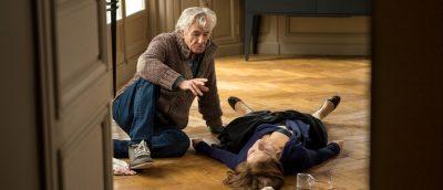 Paul Verhoeven regisserer Isabelle Huppert i «Elle» (2016).
