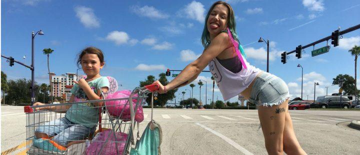 Pastellgrønn var min barndoms dal – frihet og ufordragelighet i The Florida Project