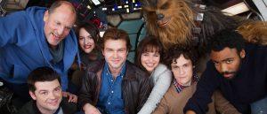 Fra lykkeligere dager: Christopher Miller (foran Woody Harrelson) og Phil Lord (foran Chewie) med rollebesetningen.