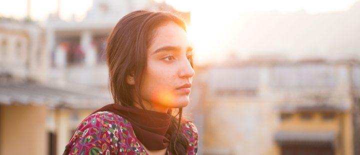 Debutant Maria Mozhdah spiller hovedrollen i Iram Haqs nye film.