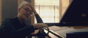ryuichi-sakamoto-coda-er-ingen-svanesang-men-en-musikalsk-soken-etter-evig-liv