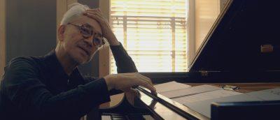 Ryuichi Sakamoto: Coda er ingen svanesang, men en musikalsk søken etter evig liv