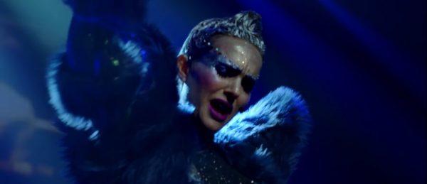 popstjerne-dramaet-vox-lux-har-fatt-arets-vakreste-trailer