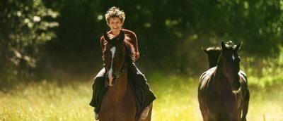 ut-og-stjaele-hester