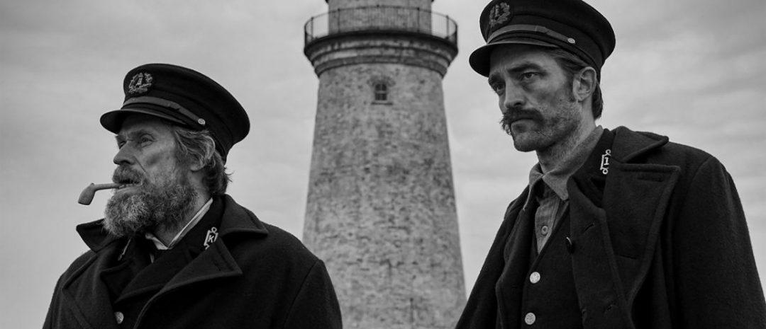 Willem Dafoe og Robert Pattinson som fyrvoktere i «The Lighthouse» (2019)
