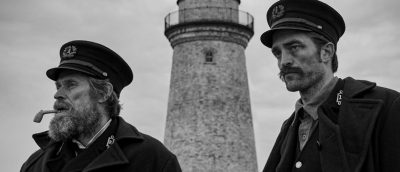 Willem Dafoe og Robert Pattinson som fyrvoktere i «The Lighthouse» (2019)