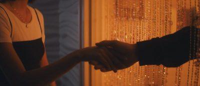 Alle utlendinger har lukka gardiner (2020)