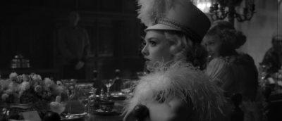 Amanda Syfried i rollen som Marion Davies.
