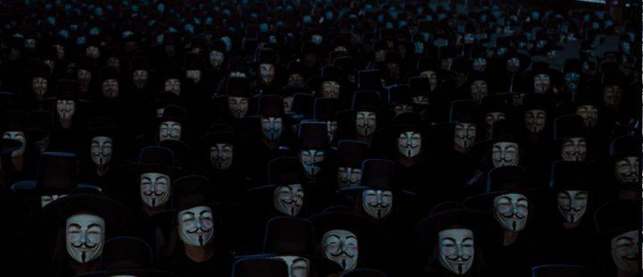 «V for Vendetta» (James McTeigue, 2005).
